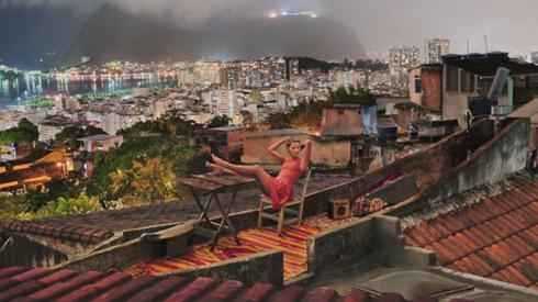 Đến năm 2013, những shot hình giản dị được nhiếp ảnh gia Steve McCarry thực hiện tại Rio de Janeiro.