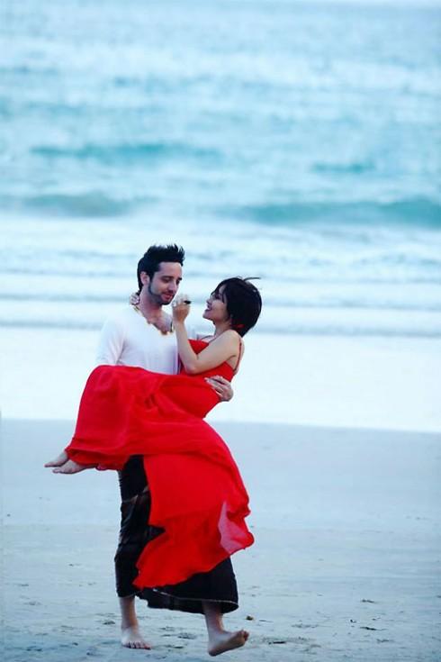 Bức ảnh ngọt ngào của Mai Khôi và chồng