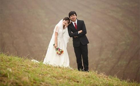 Ảnh cưới lãng mạn của hai vợ chồng