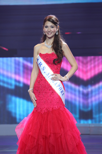 Người đẹp Singapore Kim Marie Martin giành ngôi Á hậu 2
