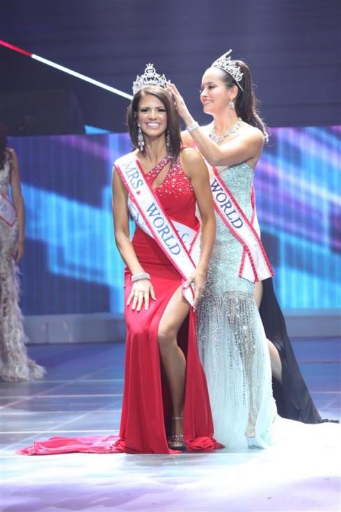 Người đẹp Mỹ trở thành Hoa hậu Quý bà Thế giới 2013