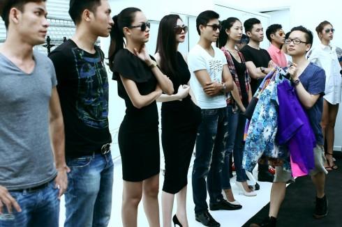 Dàn người mẫu cho ELLE Fashion Show đêm nay có nhiều gương mặt trưởng thành từ VNTM như Huyền Trang, Hoàng Thùy, Thùy Trang, Kha Mỹ Vân, Thiên Trang, Nhã Trúc, ...