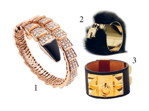 1.Vòng đeo tay Serpenti bằng vàng hồng 18k đính kim cương, đặc biệt đầu rắn màu đen làm từ mã não Blvgari 2.Vòng tay kim loại sáng bóng kết lông chồn Burberry 3.Vòng tay bản da cao cấp đính khối vàng Hermès