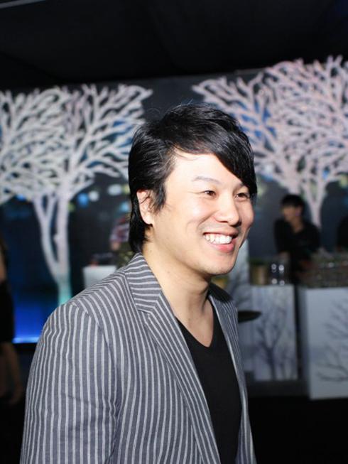 Ca sĩ Thanh Bùi, đạo diễn âm nhạc của show diễn đêm qua