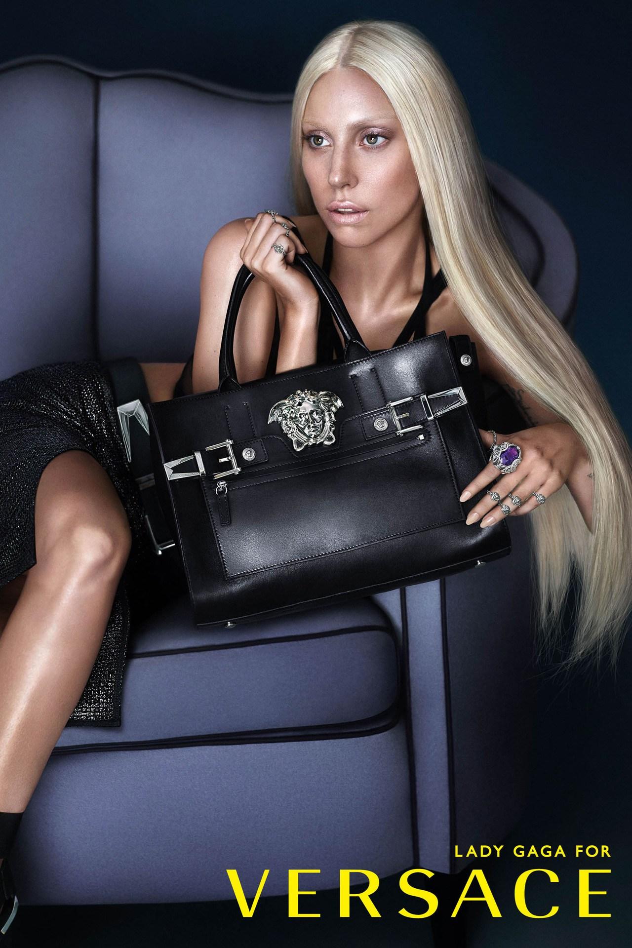 Lady Gaga trở thành gương mặt đại diện cho Versace