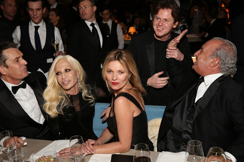 Rupert Everett, Donatella Versace, Kate Moss, Christopher Kane và Sir Philip Green.