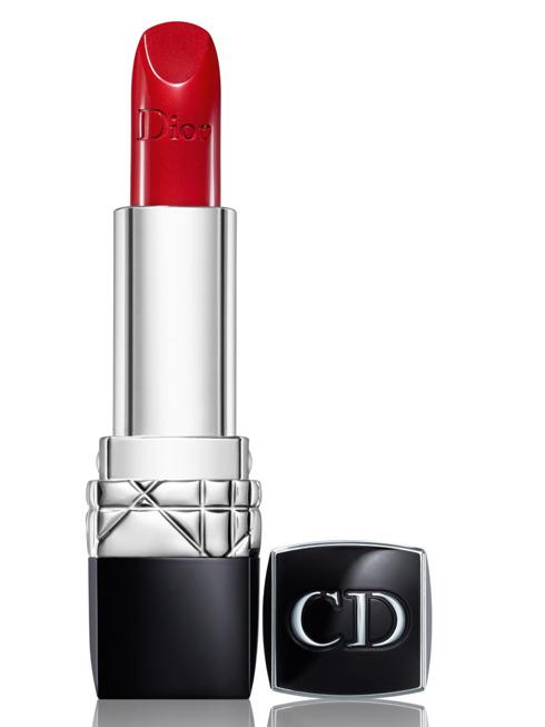 Son đỏ Rouge Dior 999 lấy cảm hứng từ màu son đỏ đầu tiên của CHRISTIAN DIOR cách đây 10 năm (880.000 VNĐ)