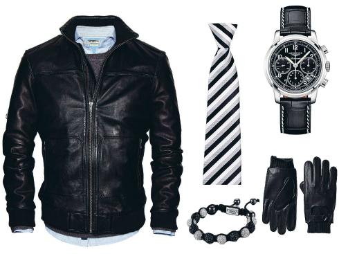 Áo khoác da H.E By Mango, cà-vạt Pedro, vòng tay Topman, đồng hồ Longiness, Găng tay da Banana Republic.