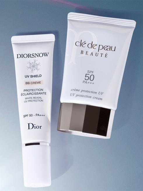 """SENSUAL STAR  <br/>Diorsnow UV Shield – White reveal UV Protection – SPF 50 – PA+++ - DIOR Cung cấp khả năng chống nắng """"3 chiều"""": Chống tia  UV cường độ cao (SPF 50/PA+++); Bảo vệ da khỏi sự thay đổi của nhiệt độ; Bảo vệ da khỏi sự thay đổi độ ẩm. Đồng thời, công thức BB Crème giúp khắc  phục các hạt sắc tố màu. (1.530.000 VNĐ) <br> <br> UV protection cream SPF 50 – PA +++ - CLE DE PEAU BEAUTE  Kem chống nắng tiên tiến giúp ngăn ngừa các dấu hiệu lão hóa do tia tử ngoại đồng thời tăng cường sự mềm mịn và vẻ đẹp tự nhiên cho làn da. (2.550.000 VNĐ)"""