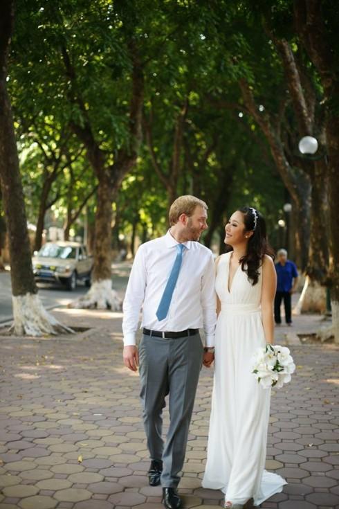 Ảnh cưới hiếm hoi của Hoa hậu Ngô Phương Lan
