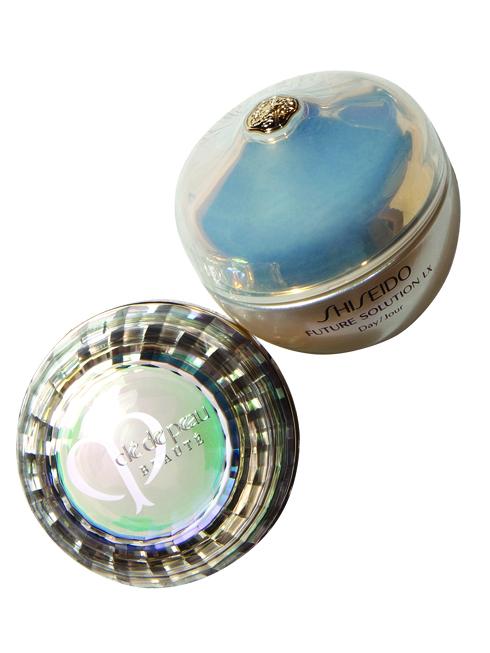 POPULAR STAR<br/>La Crème - Clé De Peau Beauté (14.890.000 - 21.390.00 VND) <br> Kem dưỡng chống l.o hóa giúp cải thiện kết cấu da, cho da săn chắc và tỏa sáng từ bên trong nhờ công nghệ dưỡng da. <br> <br> Illuminating Complex. Future Solution Lx – Shiseido (5.300.000 VNĐ) <br> Kem dưỡng giúp tăng cường sinh lực cho da, giảm nếp nhăn, cải thiện độ đàn hồi, mịn màng và tươi sáng, mang lại cho làn da vẻ trẻ trung, rạng rỡ.