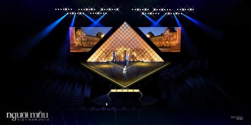 Hình ảnh sân khấu của Vietnam's Next Top Model tái hiện hình Kim tự tháp