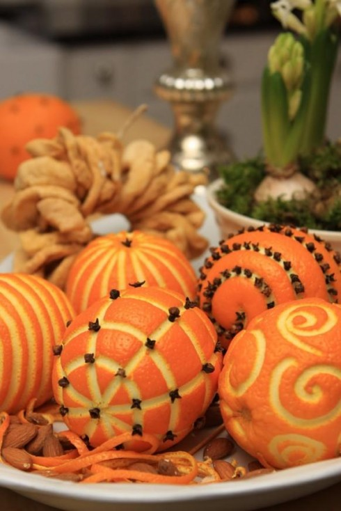 Và trên bàn tiệc bạn nên chuẩn bị sẵn trái cây.