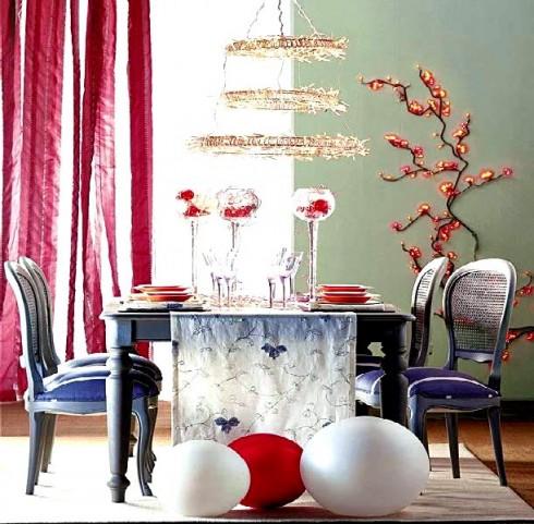 Bàn tiệc ấm cúng là nơi bạn gặp lại những người thân thiết nhân dịp Giáng sinh