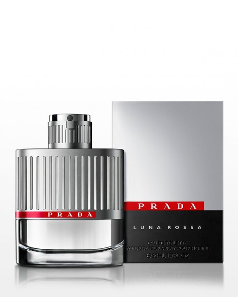 6. Prada Luna Rossa<br/>Nước hoa Luna Rossa (có nghĩa là Red Moon – Mặt trăng Màu đỏ) được đặt theo tên của đội đua thuyền buồm của CEO của thương hiệu Prada. Mùi hương của Luna Rossa dành cho những người đàn ông tham vọng, luôn khao khát chiến thắng và đam mê biển cả. Luna Rossa cho cảm giác mạnh mẽ nhưng vẫn tươi mát nhờ việc sử dụng những hương thơm cổ điển (oải hương, cam đắng, cây xô thơm…) một cách đầy mới mẻ và đột phá.