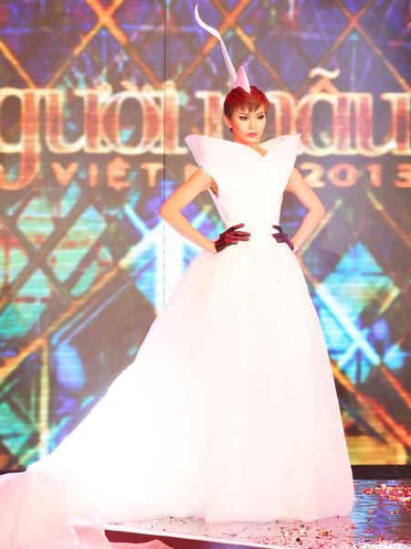 Mâu Thị Thanh Thủy đăng quang Vietnam's Next Top Model 2013