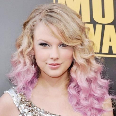 6. Tóc nhuộm ombre màu pastel: các màu tóc như xanh bạc hà, hồng nhạt, tím nhạt xuất hiện trên mái tóc từ các ngôi sao đến các bạn gái xung quanh ta.