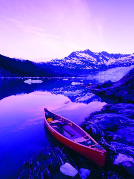 Giữa điều kiện khắc nghiệt, đôi khi bạn cũng gặp những khung cảnh rất nên thơ, như con thuyền này.