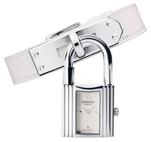 Đồng hồ với thiết kế ổ khóa làm từ thép không gỉ, dây đeo làm từ da bê Hermès.