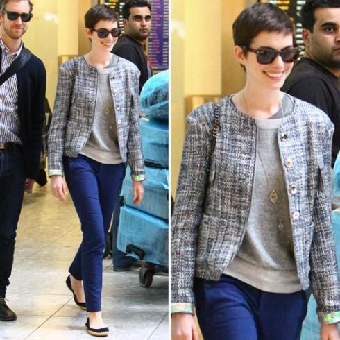 Anne Hathaway cùng áo khoác vải tweed hiệu Theyskens Theory