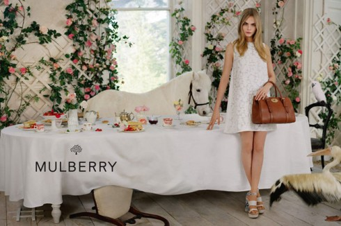 Mulberry Xuân Hè 2014 dĩ nhiên tươi tắn hơn, mang chút đáng yêu và mơ mộng của mùa xuân hè.