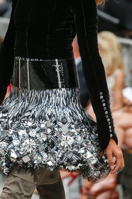 Chi tiết trên thiết kế CHANEL Couture Thu-Đông 2013