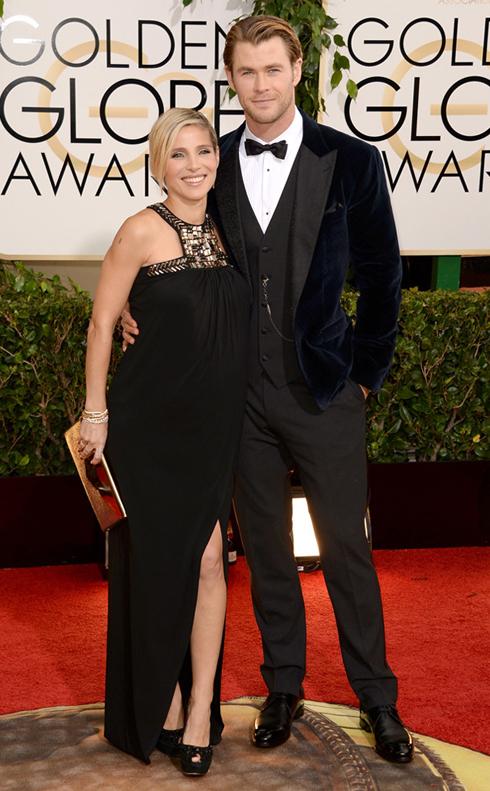 Vợ chồng Chris Hemsworth và Elsa Pataky trong trang phục Dolce & Gabbana và Paule Ka.