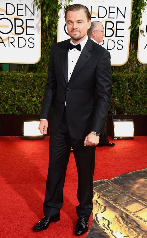 Nam diễn viên tài năng Leonardo Di Caprio mặc vest của Armani.