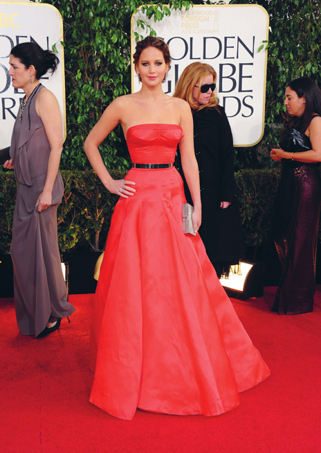 Jennifer Lawrence chọn đầm cúp ngực lộng lẫy của Dior cho lễ trao giải Quả cầu vàng 2013.