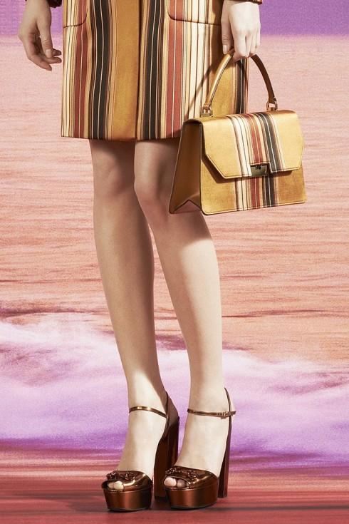 Giày và túi Gucci