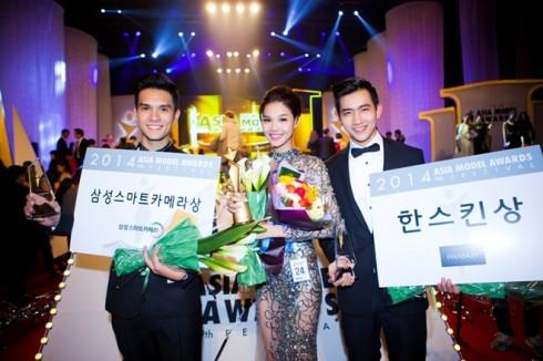 Kỳ Hân cùng Nhiko Đinh, Võ Cảnh mang về những giải thưởng đáng tự hào cho làng mẫu Việt