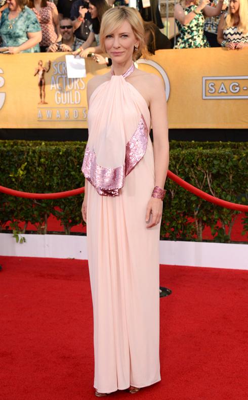 Nữ diễn viên phim Blue Jasmine - Kate Blanchett và đầm Givenchy.