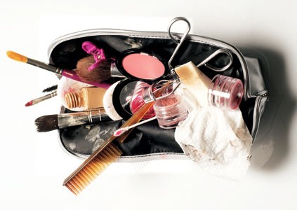makeup-bag-cleanup