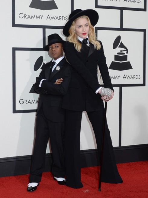 Hai mẹ con nhà Madonna
