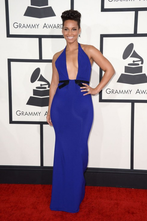 Alicia Keys cùng trang phục Armani Prive.<br/>Alicia Keys arrives at the 56th annual Grammy Awards at Staples Center on Sunday, Jan. 26, 2014, in Los Angeles. (Photo by Jordan Strauss/Invision/AP)
