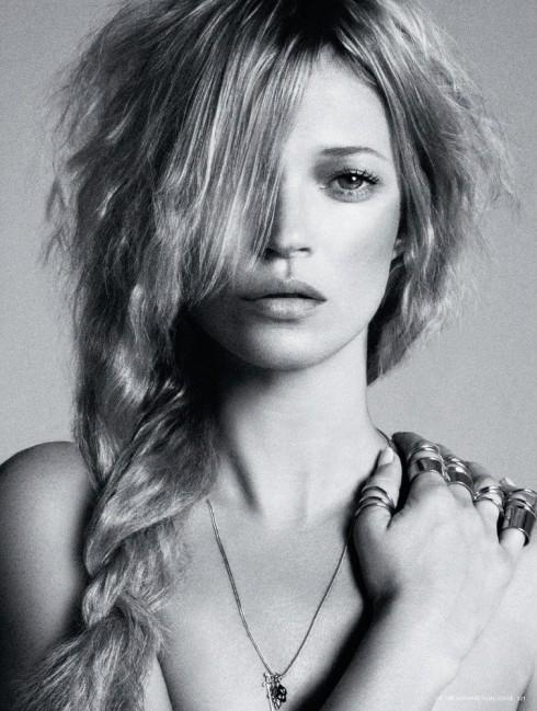 Kate Moss của người mẫu Anh nổi tiếng từ những năm 90, năm nay cô 40 tuổi, từng được tạp chí Time bình chọn là 100 người có ảnh hưởng nhất trên thế giới và xuất hiện trên tạp chí Forbes với tư cách người mẫu có thu nhập đứng đầu thế giới.