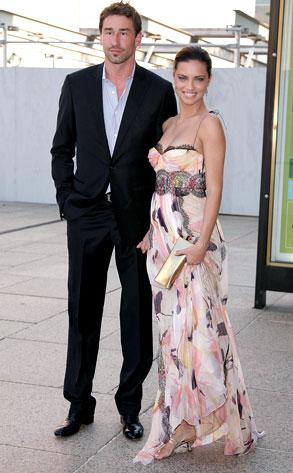 Adriana Lima bên cạnh chồng, cầu thủ bóng rổ Marko Jaric