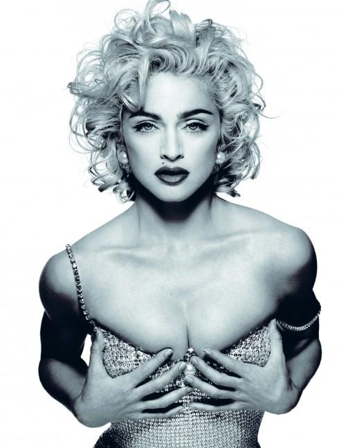 Madonna là một trong các ví dụ điển hình cho hiện tượng Princess Pan. Ở độ tuổi 50, bà vẫn giữ nguyên phong cách như một cô gái 20 tuổi và hẹn hò với những người đàn ông trẻ hơn mình rất nhiều.