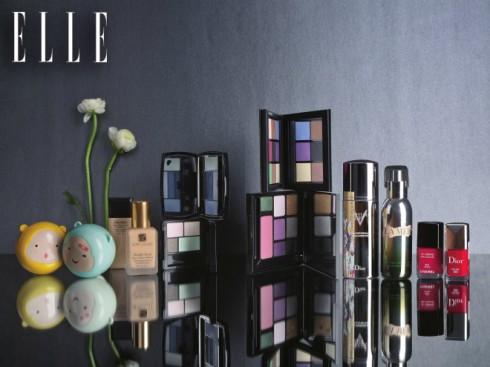 For my BFF  Từ trái qua: 1. Mặt nạ rửa giúp kiểm soát dầu & làm dịu các nốt mụn The Face Shop 299.000 VNĐ 2. Kem nền Sheer And Perfect Shiseido 960.000 VNĐ 3. Kem nền lâu trôi Double Wear Estée Lauder 1.050.000 VNĐ 4. Phấn mắt Hypnose Palette Lancôme 1.350.000 VNĐ 5. Phấn mắt The Face Shop 739.000 VNĐ 6. Phấn mắt 9 màu Shiseido 1.200.000 VNĐ 7. Bộ phấn mắt và má hồng Shu Uemura 1.500.000 VNĐ 8. Sơn móng tay Dior 690.000VNĐ 9. Sơn móng tay Chanel 714.000 VNĐ 10. Son tint chiết xuất từ bơ hạt xoài The Face Shop 339.000 VNĐ