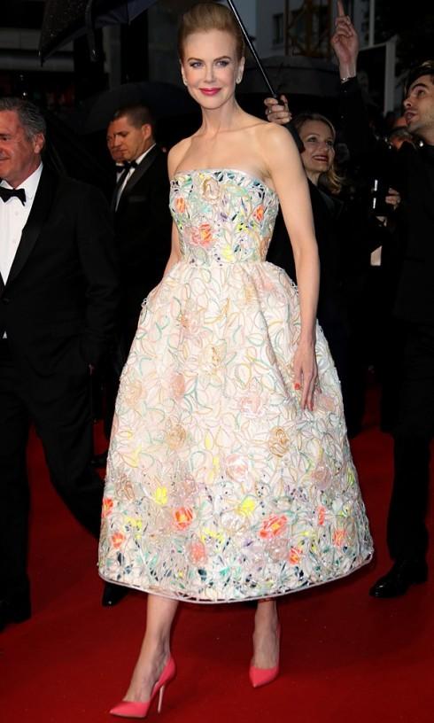 Nicole Kidman trong chiếc váy có phom dáng New Look