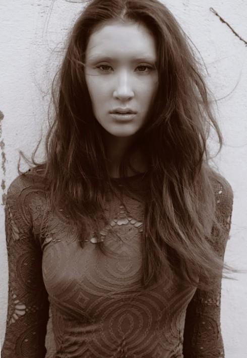 Người đẹp gốc Việt Shei Phan