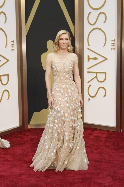 Cate Blanchett - người thắng giải Nữ diễn viên chính xuất sắc nhất Oscar 2014 trong trang phục Armani Privé