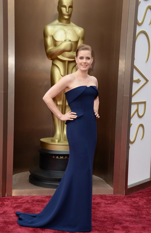 Amy Adams mặc trang phục Gucci Couture