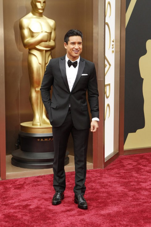 MC quyến rũ của Oscar năm nay - Mario Lopez
