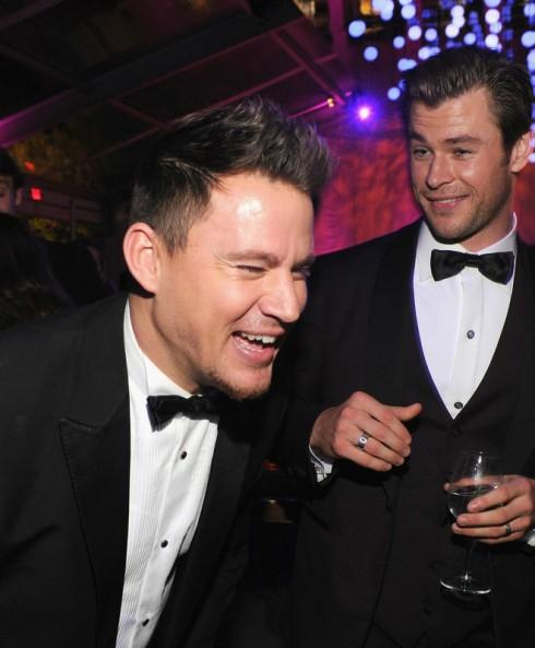 Channing Tatum trò chuyện vui vẻ cùng Chris Hemsworth.