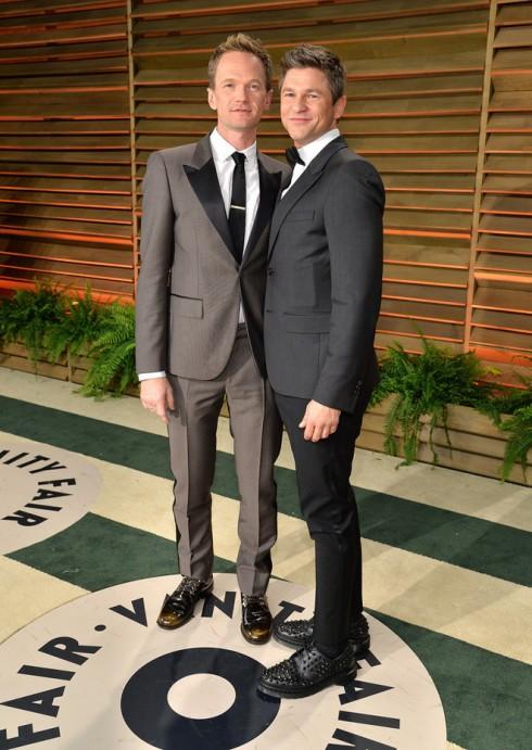 Nam diễn viên của seri phim How I Met Your Mother - Neil Patrick Harris đến cùng người yêu của anh.