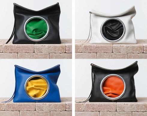 8. CELINE EYELET RING CLUTCH BAG  <br/>Mùa xuân hè năm nay, nhà mốt Céline giới thiệu mẫu clutch Eyelet Ring được làm từ da cừu Nappa với thiết kế độc đáo, sự kết hợp màu sắc tương phản qua vòng tròn bằng kim loại trông thật cá tính và nổi bật.