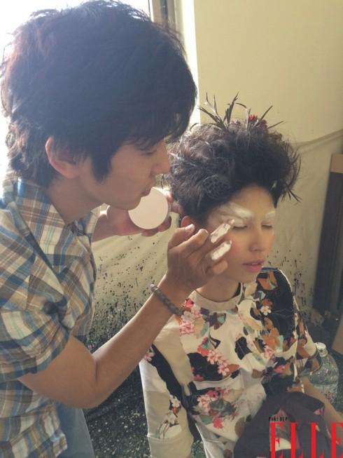 Thùy Dương được chuyên gia trang điểm và làm tóc chăm sóc tận tình