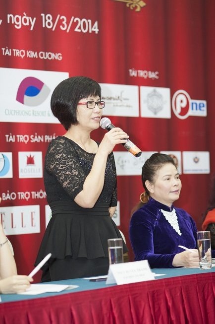 Đạo diễn âm nhạc của cuộc thi- NSƯT Huyền T hanh trả lời báo chí 1