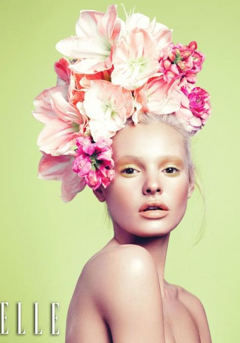 Khi mắt và môi đều mang sắc màu nhẹ nhàng, tạo nền và đánh khối trở nên quan trọng để có được gương mặt góc cạnh và làn da mịn màng như men sứ.
